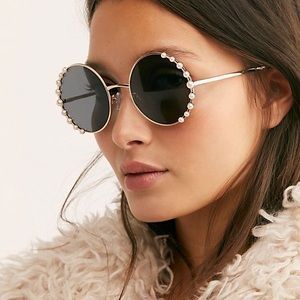 Gabriella Pearl SUNGLASSES Round Sunnies NEW